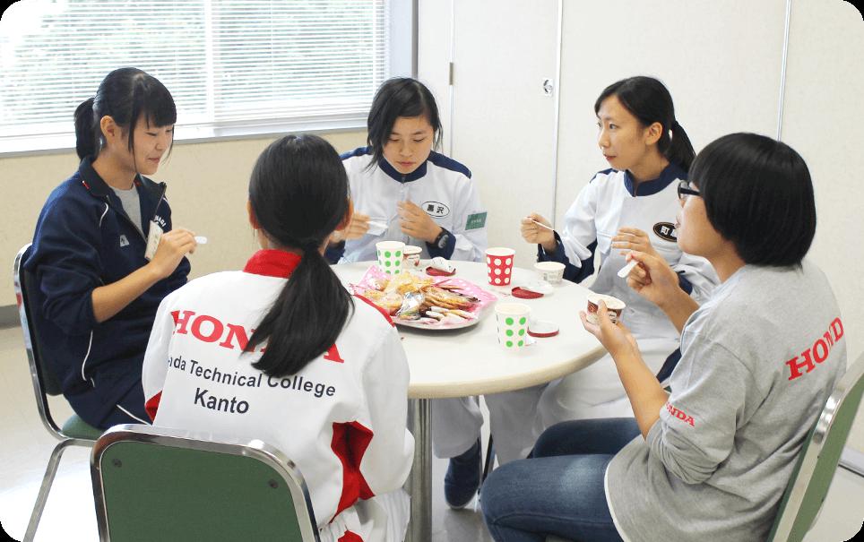 女子在校生と座談会